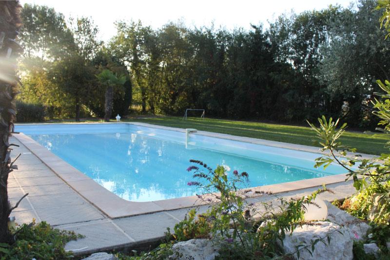 chambre-d-hotes-avec-piscine-saint-didier-sur-chalaronne